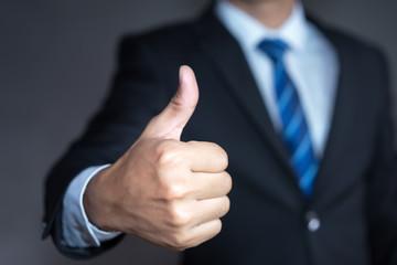 Hvordan gi effektiv «ros» til medarbeider?